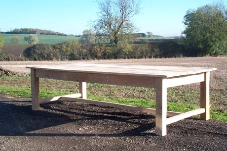 Solid oak kitchen table (11 x 4 x 3')
