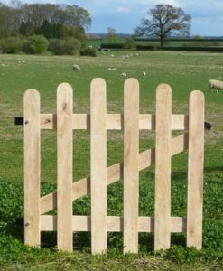 Oak Picket Gate Rounded Top