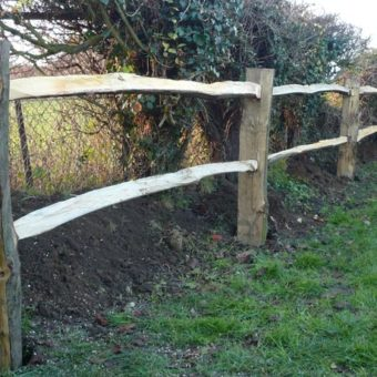 Chestnut post and rail (9 x 4') two rail